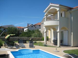 Family Villa with Pool near Sibenik, Pirovac