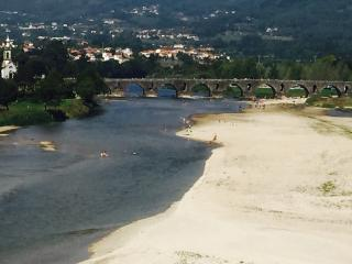 PONTE de LIMA - HEATED CHILD SAFE POOL - WALKING DISTANCE TO BEACH, RIVER, TOWN
