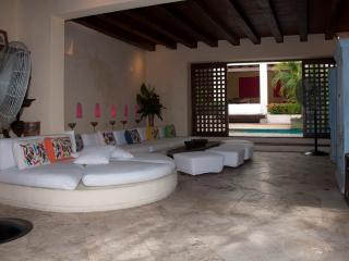 Stunning 5 Bedroom Old City Mansion, Cartagena