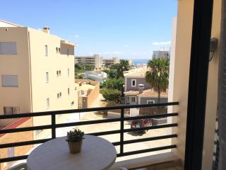 Apartamento T3 - Junto Praia Dona Ana