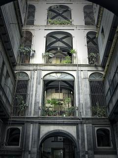Interno palazzo De Rosa