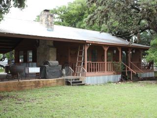 Yellow Rose Ranch - Pavilion House, Tarpley