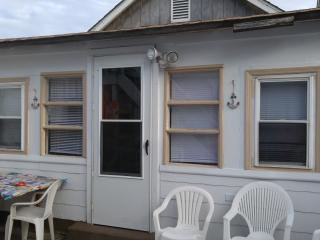 Private Cottage/100 Ft from Boardwalk/Beach