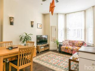 Modern 1 Bed flat by City Center, Londres