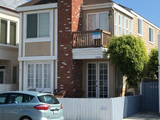 3 Bed/2 Bath Upper Unit  Just steps from the sand, ocean and marina