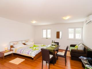 Apartments Ira - Studio with Terrace 1, Dubrovnik