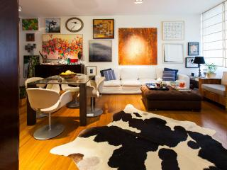 Ipanema artistic and stylish flat