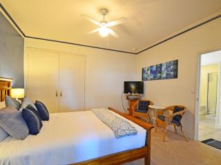 Inn The Tuarts Vasse superior queen room 4, Busselton