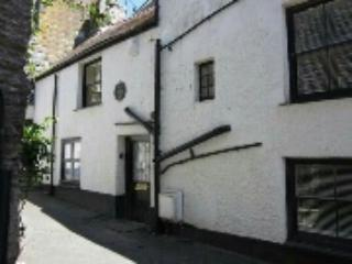 The Old Vicarage - a historical, seaside home, Looe