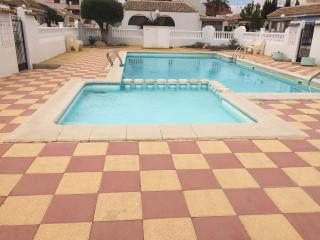 Centrally located aprtment with Swimming Pool,