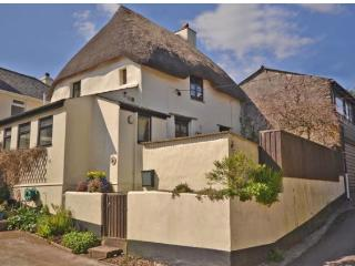 Thatched grade II country cottage, Kingsbridge