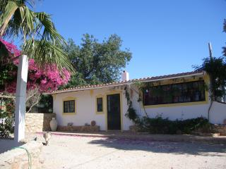 Tranquil Cottage, just a few km's to beautiful beaches & historical attractions., Alcantarilha