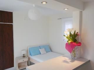 Perfect Studio in city Center!, Ciudad de Rodas