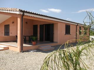 Detached house 2km from the beaches, Cardedu