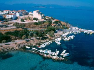 Agistri Island Beachfront HOUSE Sleeps 6, Skala