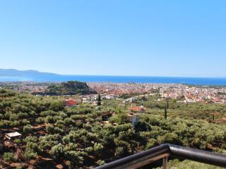 Comfortable house with superb views, Calamata