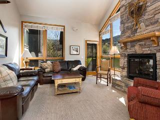 Well Appointed Red Pines Townhome— Park City Ski Resort Memories Await!