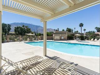 Peaceful Palm Springs Retreat Minutes from Downtown