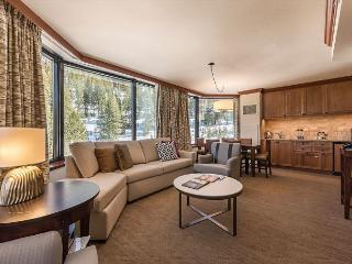 2BR Sweeping Valley View Resort at Squaw Creek Corner Unit Sleeps 6, Olympic Valley