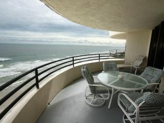 Totally Oceanfront. Largest Balcony in Daytona Beach!!