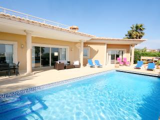 Villa Atlantico, luxury 4 bedroom villa sleeps 10, Private pool, Wi-Fi, A/C
