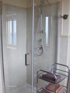 Ensuite bathroom to bedroom 2