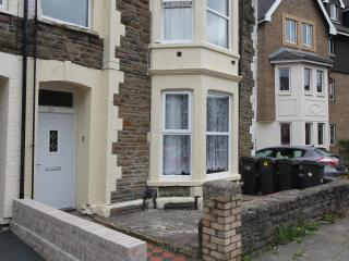 Ground Floor Flat .03 miles from Cardiff Centre