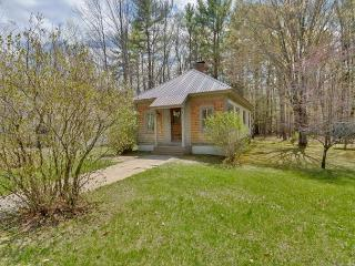 3BR North Conway cottage 1 min to Cranmore!
