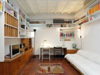 Jewel of 700 a few steps Navona Sq. with wifi, Rome