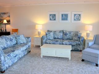 Enjoy our 3BR/2BA Kiernan Condo at the Pelicans, Fernandina Beach