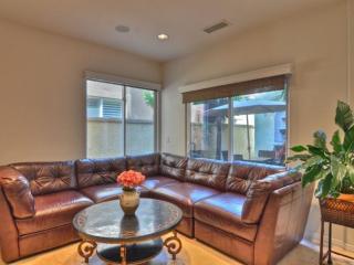 CLEAN, SPACIOUS AND ELEGANT 4 BEDROOM, 3.5 BATHROOM HOME, Hermosa Beach