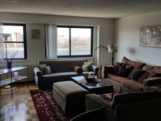 BEAUTIFULLY FURNISHED 2 BEDROOM, 2 BATHROOM APARTMENT, Boston