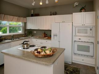 Furnished 3-Bedroom Apartment at Issaquah-Pine Lake Rd SE & SE 46th Pl Sammamish