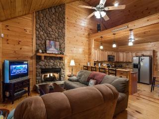 Wildwood-Cabin in the Woods, Ellijay