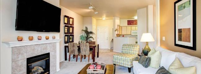 Comfortable 3 Bedroom, 3 Bathroom Renton Apartment With Great Amenities