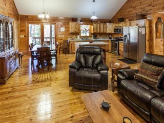 Dancing Bear - Great Cabin, Ellijay