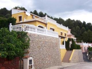 Luxury 6 bedroom villa close beach WiFi, Villalonga