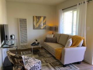 Furnished 1-Bedroom Apartment at Howard Ave & Highland Ave Burlingame, San Mateo