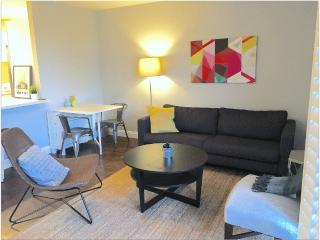 Furnished 2-Bedroom Condo at W Point Loma Blvd & Rue Dorleans San Diego
