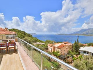 Sude Apart 2 BR with seaview, Kas