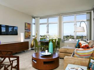 Furnished 1-Bedroom Apartment at El Camino Real & Showers Dr Mountain View, Los Altos