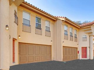 HOMEY AND SPACIOUS FURNISHED 2 BEDROOM 2 BATHROOM APARTMENT, Thousand Oaks