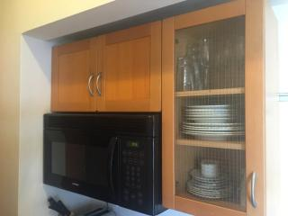 Furnished Studio Apartment at California Ave & 2nd St Santa Monica