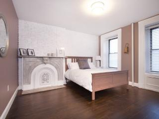 MODERN AND FURNISHED 4 BEDROOM, 1 BATHROOM APARTMENT, Weehawken