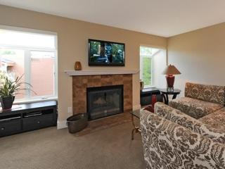Furnished 2-Bedroom Condo at 166th Ave NE & NE 87th St Redmond