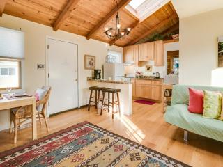 Furnished 2-Bedroom Cottage at Brighton Rd & Lunetta Ave Pacifica