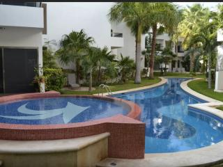 Beautiful Penthouse--with Pool--in Gated Community, Playa del Carmen