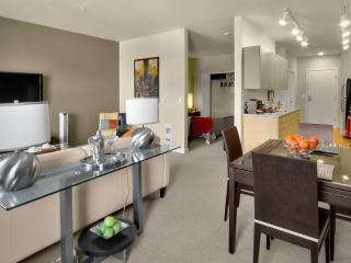 Homey 2 Bedroom And 1 Bathroom Apartment - Fully Furnished, Redmond