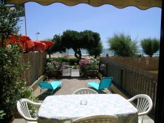 Appartamento indp. al p.terra sul mare in Via Roma, Castiglione Della Pescaia