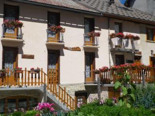 appts 3 p. ou 6 p dans maison de village plein sud, Villar-d'Arene